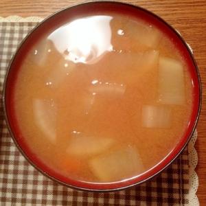 大根と人参の味噌汁
