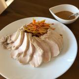 茹で鶏のハニーマスタードソース