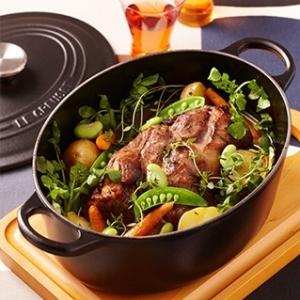 [ル・クルーゼ公式] 豚肉と野菜のブーランジェール