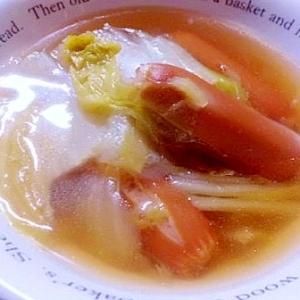 白菜とウインナーの和風コンソメスープ