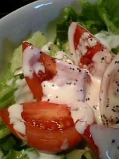 ヨーグルトソースの簡単サラダ♪