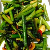 空芯菜とニンニクの芽のオイスター炒め