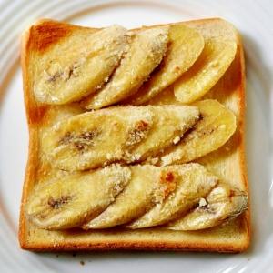 アーモンドプードルシュガーのバナナトースト