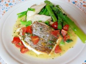 鯛のソテー、トマトとパセリのレモンバターソース
