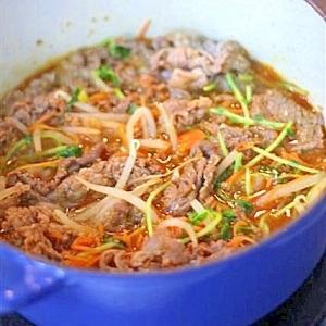 牛肉と彩り野菜の韓流ピリ辛蒸し鍋