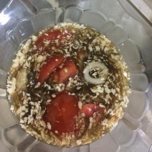 完熟トマトのモズクマヨネーズ