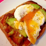 無添加トマトソースでカフェの朝食のおしゃれトースト