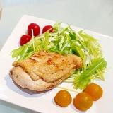 柔らかしっとり!鶏むね肉の簡単コンフィ