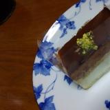 ピスタチオとチョコレートのムースケーキ