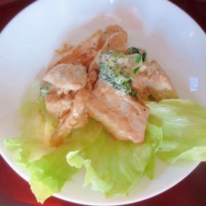 簡単★鶏胸肉と冷凍ポテトのオーロラソース和え