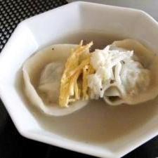 生地から手作り餃子スープ