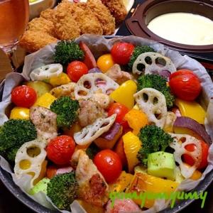 鶏肉&野菜のオーブン焼きです☆彩りも楽しい簡単料理