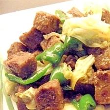 サイコロステーキ&キャべピー炒め