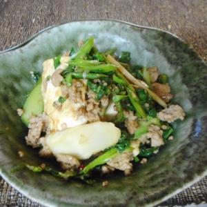山ウドと豆腐とひき肉の醤油麹炒め