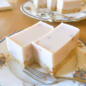 苺ヨーグルト&kiriで作る☆簡単クリームケーキ
