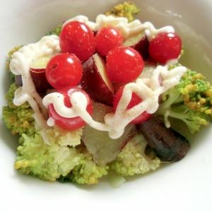 蒸かしたさつまいもとブロッコリーのサラダ