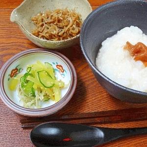 朝の薬膳☆ 「長芋入りそば茶粥」