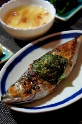 いつもの焼き魚が料亭風、あじの大葉味噌焼き