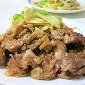 夕食の定番です。豚肉のしょうが焼き