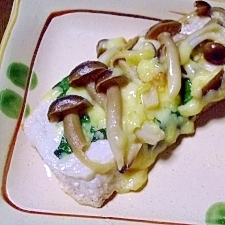 メカジキのキノコと大葉のチーズ焼き