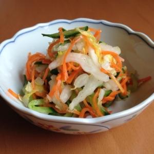 白菜と人参ときゅうりの甘酢和え