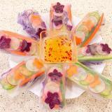 食べる花びら入り カラフル生春巻き