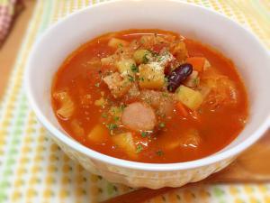 野菜たっぷり♡トマト缶でミネストローネ