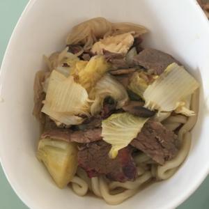 ローストビーフ、白菜とこんにゃくの煮込みうどん