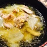 脂が美味しい!鴨肉の野菜スープ