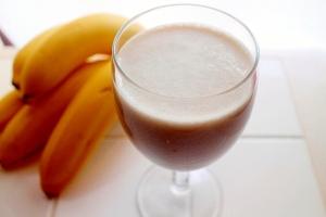【腸も元気】朝食の代わりにバナナヨーグルトドリンク