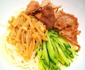 短い素麺で食べやすい♪レンチンなめ茸と豚ぶっかけ♡