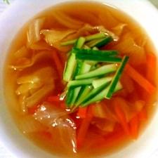 野菜たっぷりの冷たいコンソメスープ