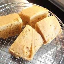 ルクエ☆スチームケースで☆簡単きな粉黒糖蒸しパン♪
