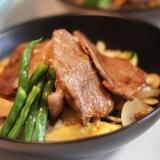 【KOZまかない】牛肉と野菜のステーキ丼