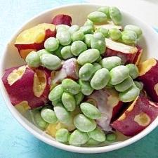 サツマイモの枝豆入りヨーグルトマヨソースがけ