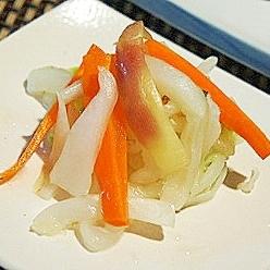 ポリ袋で、白菜と茗荷の簡単浅漬け