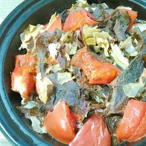 トマト赤しそ青しそキャベツ人参のホットサラダ
