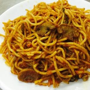 トマトナポリタンソーススパゲティ