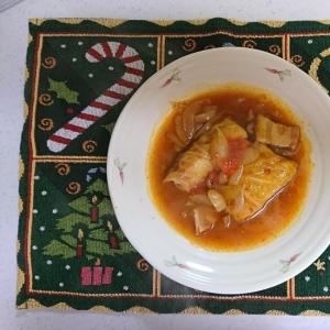人参と鶏ひき肉で作るロールキャベツ