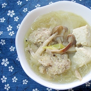 肉だんごと春雨のスープ