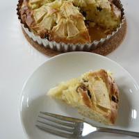 ホットケーキミックスで作るりんごレーズンケーキ
