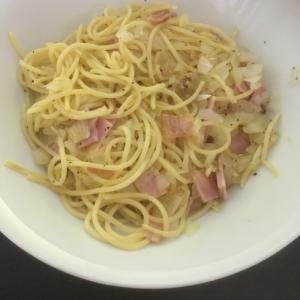 簡単♪オリーブオイルたっぷりペペロンチーノ!!