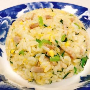 豚肉と小松菜の簡単絶品チャーハン