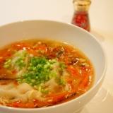 簡単中華スープ☆餃子入り酸辣湯(サンラータン)