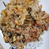 高菜とベーコンと野菜のチャーハン