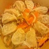 お野菜たっぷり!土鍋で蒸し餃子♪