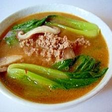 椎茸と、チンゲン菜の坦々ごまスープ
