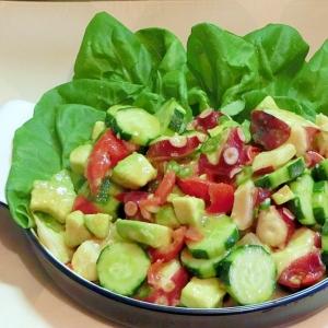 タコとたっぷり野菜のサラダ