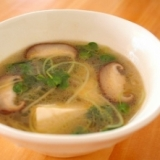 おくらの新芽で中華スープ