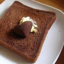 ヤマザキふんわり食パン(チョコ)で簡単チョコパン